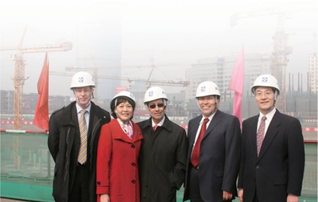 华胜龙腾顾问专家孔晓陪同FIDIC主席与秘书长参观央视新台址项目工地