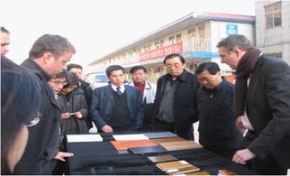 华胜龙腾顾问专家高宝东与国家博物馆领导领导及德国建筑师讨论材料方案